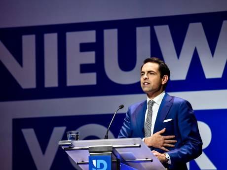 Le Vlaams Belang redevient le premier parti en Flandre, le PS se tasse en Wallonie