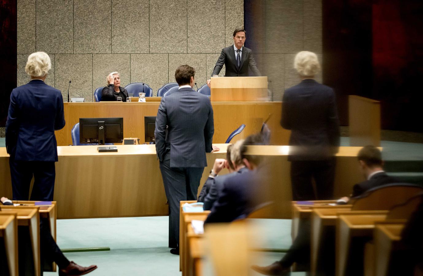 Geert Wilders (PVV), Thierry Baudet (FvD), Ank Bijleveld, minister van Defensie en premier Mark Rutte