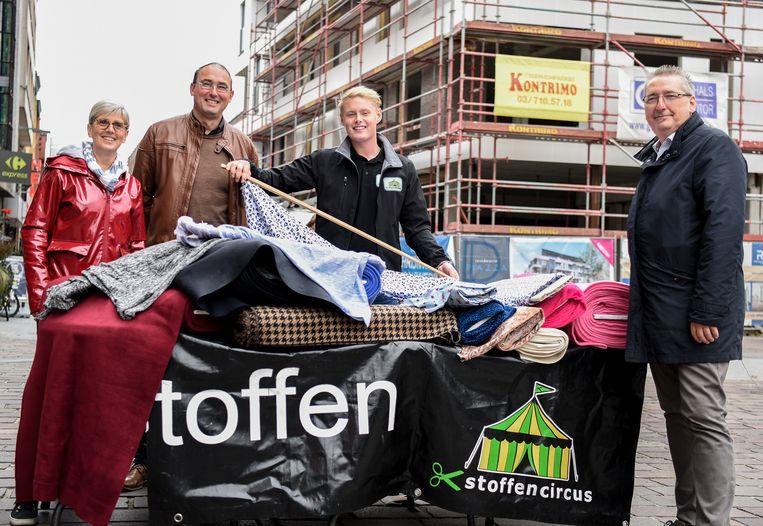 De initiatiefnemers Chantal Thielens, Wim Van Gerwen, Rick Groeneveld en centrummanager Stefan Provost.