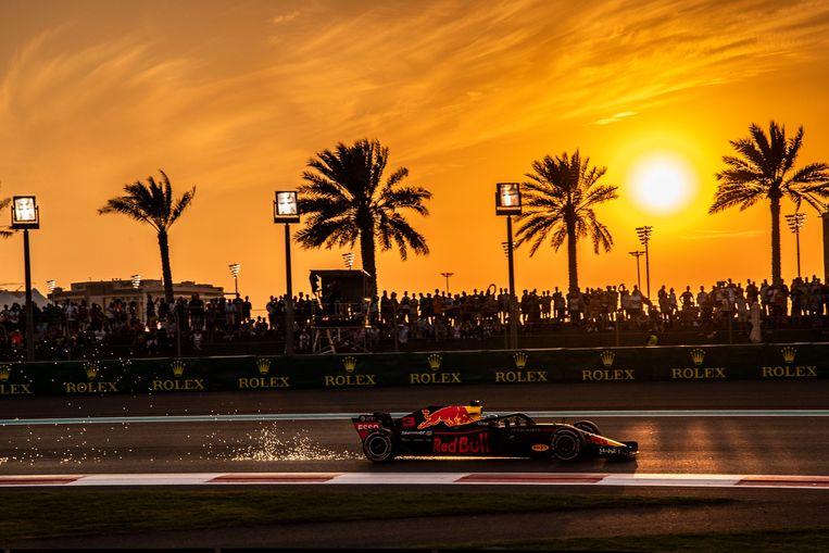 Daniel Ricciardo, de teamgenoot van Max Verstappen, in actie op het circuit van Abu Dhabi. Beeld Photo News