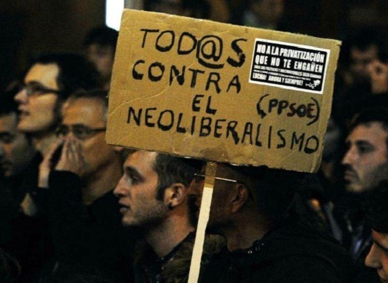 In november 2011 werd in Madrid gedemonstreerd tegen bezuinigingen op het Spaanse onderwijs. 'Met z'n allen tegen de neoliberalisering.' Beeld afp