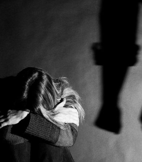 Une jeune fille rouée de coups et tondue par sa famille parce qu'elle fréquente un chrétien