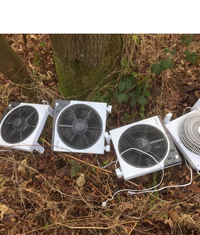 Harco Bergman van Staatsbosbeheer vond vier ventilatoren uit een hennepkwekerij.