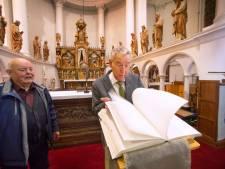 Allerzielen in een bijna lege kerk, maar het kerkhof blijft open