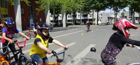 'Alle Rotterdamse kinderen moeten weer op fietsexamen'