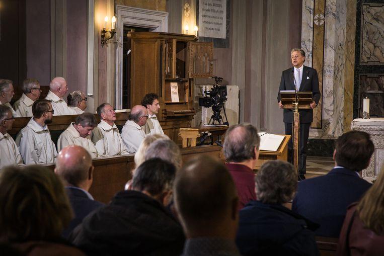 Ed Nijpels spreekt tijdens de zondagsmis in de Kerk der Friezen te Rome. Beeld Zolin Nicola