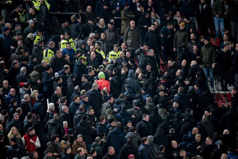 Fans van Utrecht tijdens FC Utrecht tegen Ajax. Beeld BSR Agency