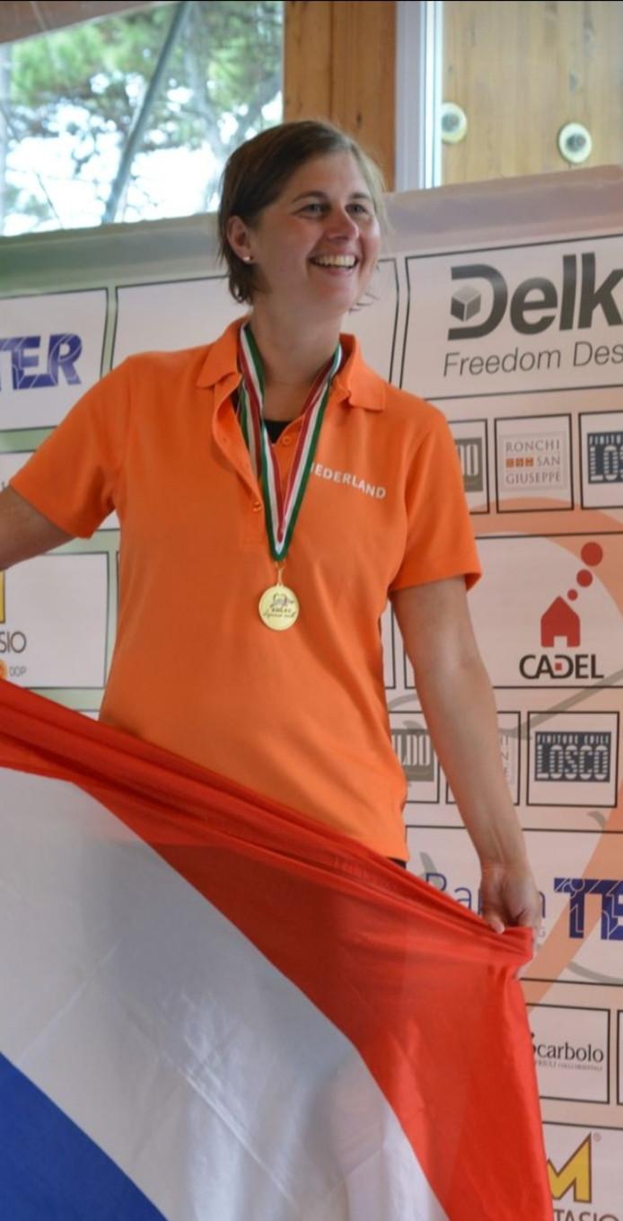 Zwemster Evy van Kempen haalde in Lignano op de Spelen voor Hart- en Long getransplanteerden vijf gouden medailles.