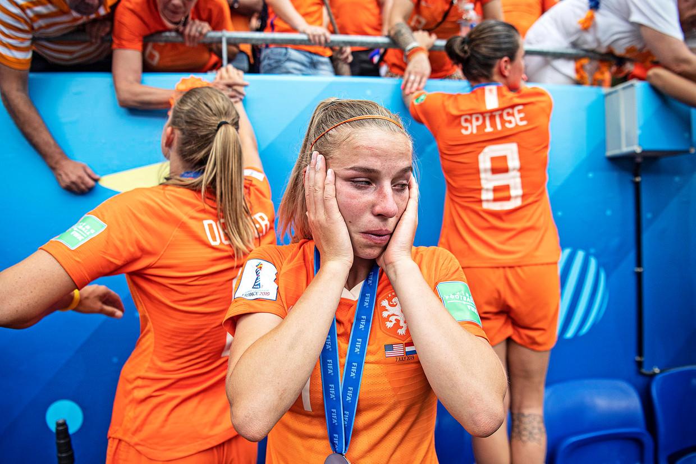 Jackie Groenen in tranen na de finale. Beeld Guus Dubbelman / de Volkskrant