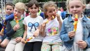 Leerlingen basisschool Heizijde vieren Oog Voor Lekkers-festival met lekkere en gezonde hapjes