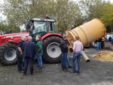 LIVE | Boeren met sirenes, hooikanon en honderden trekkers in Zwolle