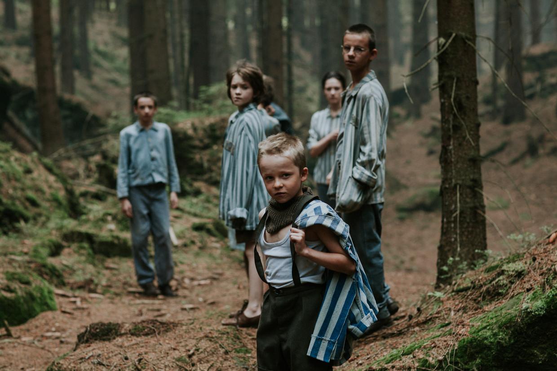 In Wilkolak krijgen kampoverlevenden te maken met een nieuwe dreiging.