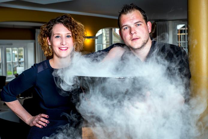 De eigenaren van restaurant De Burgemeester, Anne (gastvrouw) en Sander (chefkok) Spruijt.