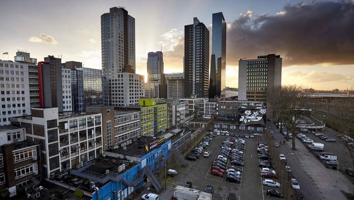 Voor het 'Schiekadeblok' betaalde de gemeente 52 miljoen euro aan LSI. De zakenwijk is nimmer verrezen.