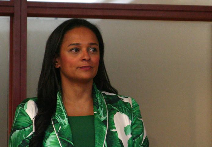 Isabel dos Santos net voor ze de leiding krijgt over Sonangol in 2016.
