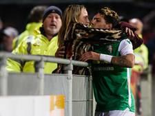 Weggestuurde voetbalvrouw: 'Steward was te laat, want ik had al gezoend'