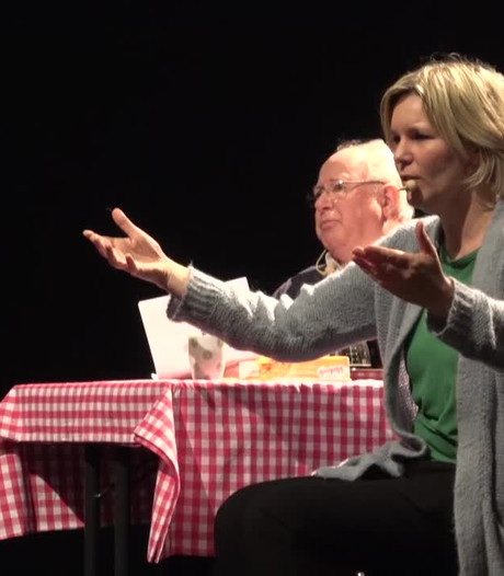 Ouderen genieten van 'interactieve voorstelling' in Myllesweerd