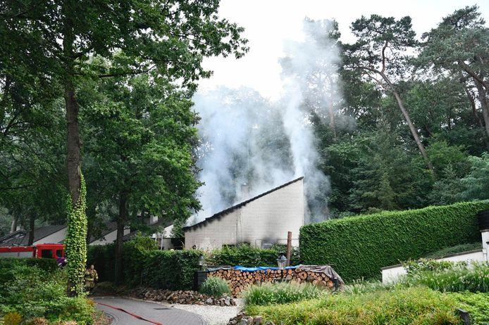 De woning werd verwoest door de brand.