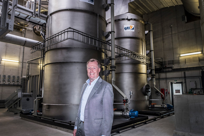 Tom van Wijk directeur van CNC in Milsbeek in de nieuwe IVC fabriek die vandaag officieel geopend wordt door Koning Willem Alexander.