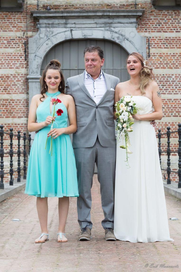 Stacey was de dag voor het ongeval nog het bruidsmeisje op het huwelijk van haar moeder Stephie.