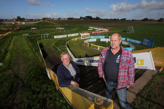 De broers Wim en Geert Pyfferoen organiseren jaarlijks de Superprestige op hun weide langs de Vrijgeweidestraat.