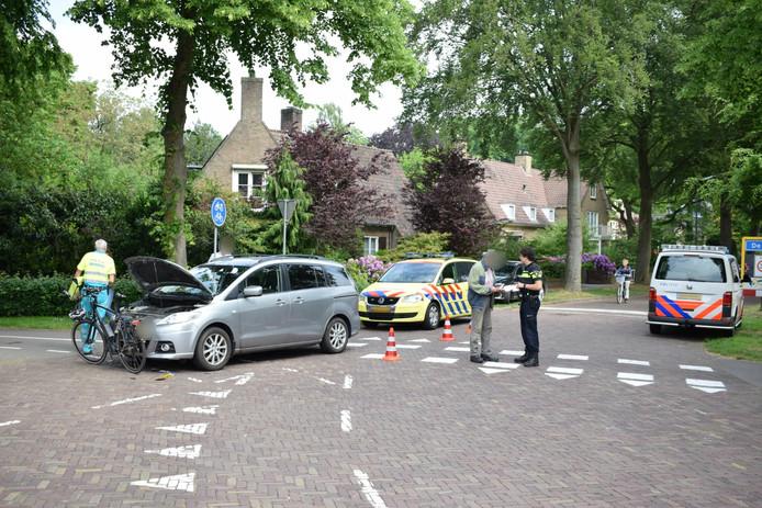 De plek van het ongeval werd afgezet met pionnen en later ook met linten.