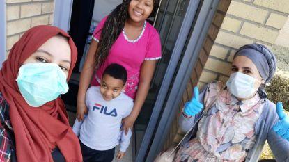 Kortrijkse moslimgemeenschap deelt 310 croissants en roomstangen uit in wijk Lange Munte
