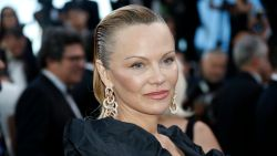 Herken jij deze actrice op de rode loper in Cannes?