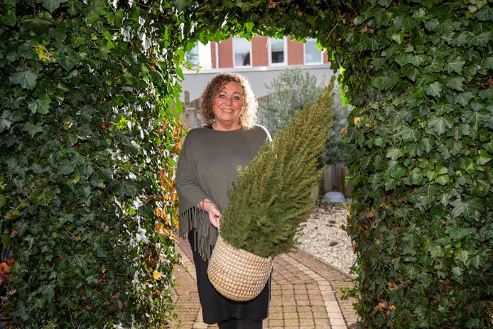 Annique Camphens is de drijvende kracht achter de Vlaardingse kerstmarkt, die morgen van start gaat.