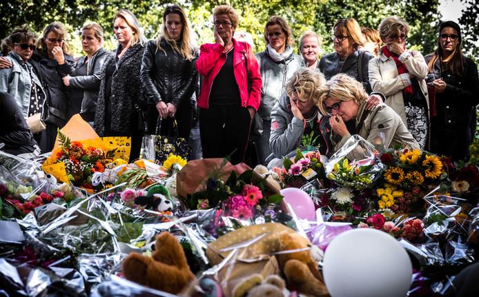 Bij de plek van de ramp ontstond drie maanden geleden een herdenkingsplek.