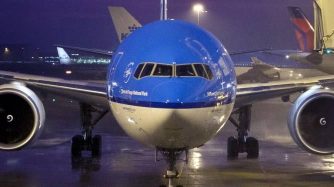 Dronken Brit rijdt rondjes over vliegveld van Schiphol