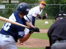 Honkballers Twins winnen weer onder hoogspanning