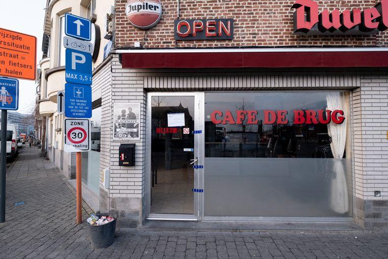 MECHELEN Café De Brug is verzegeld