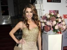 Kelly laat in lingerie haar hond uit, Chantal Bles geniet van Jada
