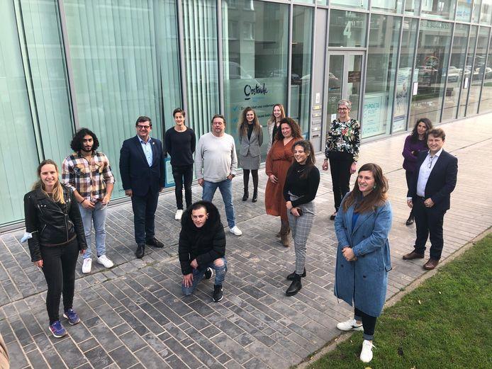 Stad Oostende werkt sinds deze zomer samen met YouthStart. Deze week rondde een tweede groep Oostendse jongeren het traject af.