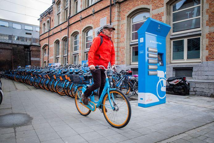 Blue-bike aan het Sint-Pietersstation.
