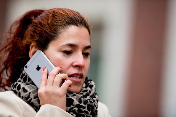 Bij telefoons is het heel normaal dat bundels met en zonder smartphone komen. Dat moet ook voor routers, modems en decoders gaan gelden.