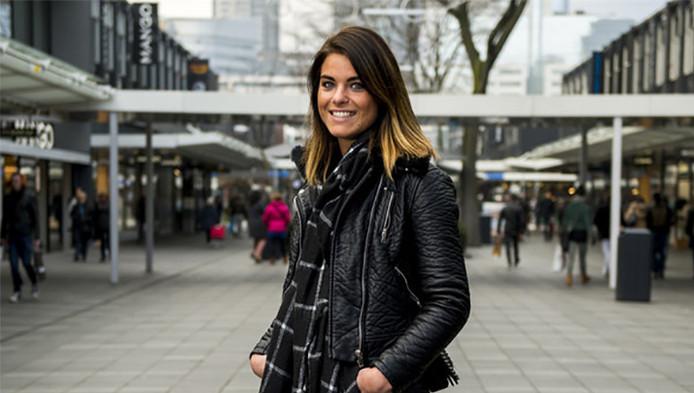 """Lydia de Witte (23) uit Goes. ,,Tot 2 jaar geleden vond ik sparen nooit belangrijk. Nu heb ik drie spaarrekeningen."""""""