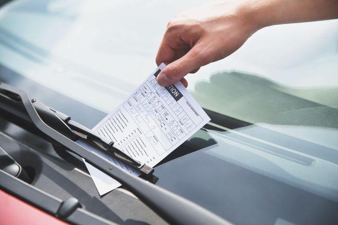 Geld verdienen aan het aangeven van foutparkeerders: in deze stad kun je er aardig aan verdienen.
