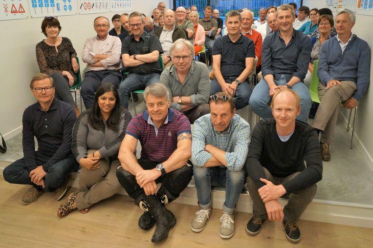 Alle instructeurs van de VTIR-rijschool waren uitgenodigd op de openingsreceptie van het nieuwe leslokaal in Tielt.