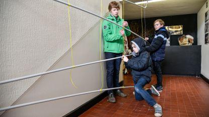 Hoezo, 'de jeugd wil alleen maar gamen'? Leerlingen Academie Waasmunster goed op weg langste knikkerbaan van het land te bouwen