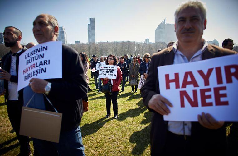 Op het Malieveld demonstreerde het Turkse nee-kamp voor het eerst. Beeld Phil Nijhuis