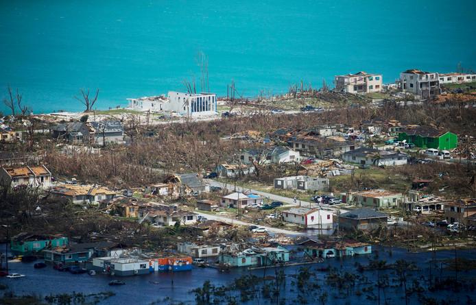 Deze woensdag genomen luchtfoto toont de grote schade op het toeristische eiland Abaco