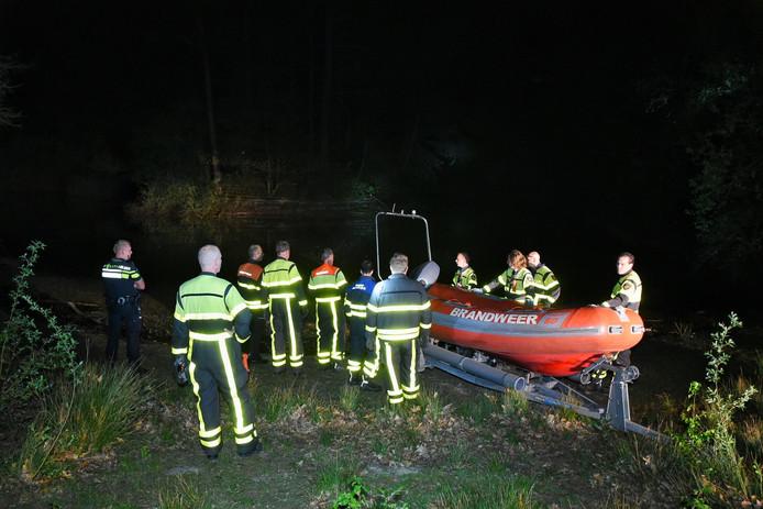 Brand op eiland in Wandelbos