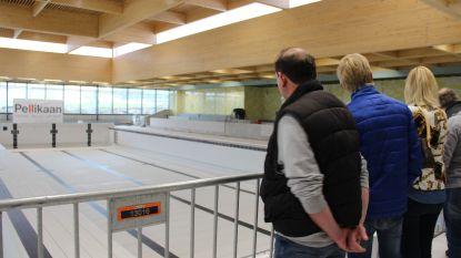 Ronsenaars kijken binnen in zwembad in aanbouw: nog vier maanden voor de waterpret kan beginnen