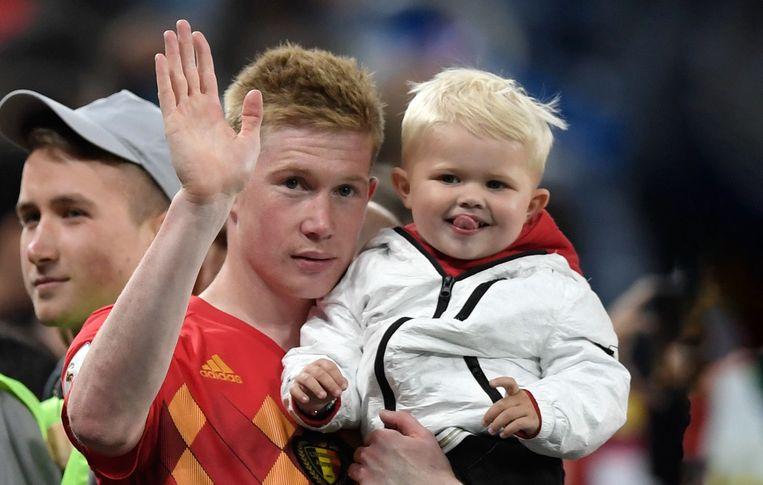 Kevin De Bruyne met tweejarig zoontje Mason Milian.