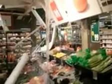 Hoosbui veroorzaakt waterballet bij supermarkt Dirk in Apeldoorn