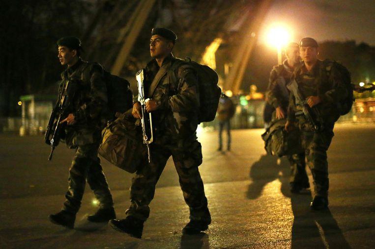 Franse soldaten op patrouille in Parijs. Beeld epa
