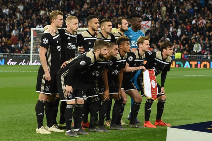 De elf van Ajax die aan de aftrap stonden in Bernabéu.