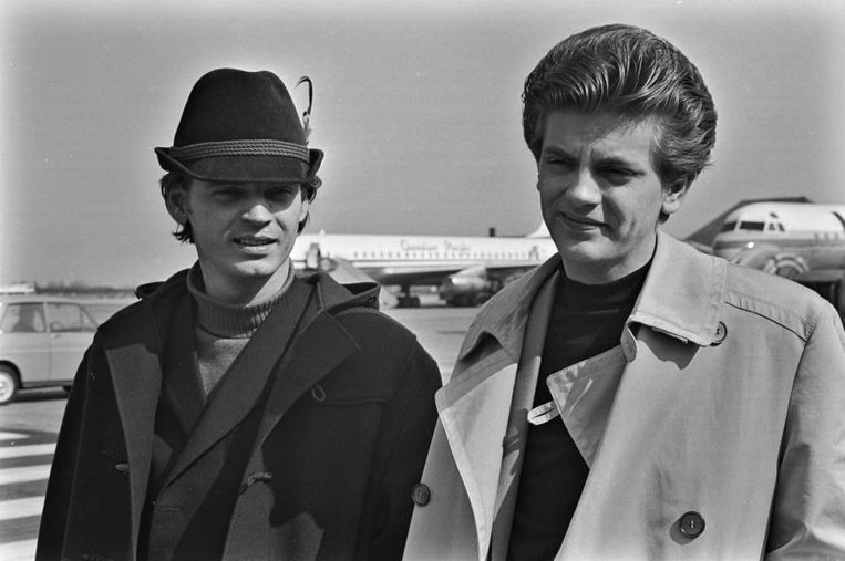The Everly Brothers op Schiphol (1965) Beeld ANP